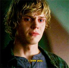 Evan Peters: because homicidal, dead, clingy boyfriends are hot American Horror Story, Tate Ahs, Tate And Violet, Peter Maximoff, Beautiful Boys, Beautiful People, Horror Stories, Celebrity Crush, Fan Art
