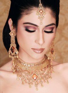Model: Meesha Shafi  love the makeup here. Goes well with uni-tone jewellery.