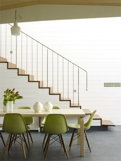 Sixel Miller Cottage - Sydney, #Australia - 2008 by Durbach Block Jaggers Architecs. Green Eames chairs =) Love it!!