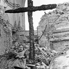 Warszawa - Wielkanoc na Placu Trzech Krzyży (1945)