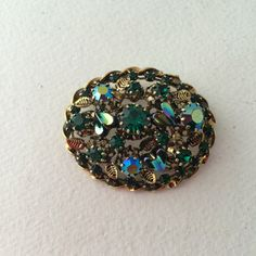 Emerald Green Brooch Twisted Gold-tone Edge Teal by ravished