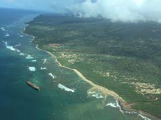 Der Flug mit einer Propellermaschine ging noch über Lanai und das davor liegende Schiffswrack.