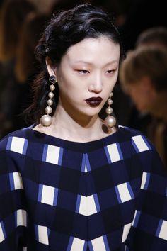 Marni Fall 2016 Ready-to-Wear Fashion Show Details / #MIZUstyle
