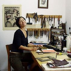 TeoStudio is a bindery specialized in leather journals and old style bindings, diaries with lock and key, notebooks with quality paper, all handmade