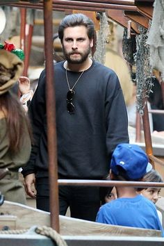 ee557d942d6e7 Scott Disick - Out with his family at Disney Land on
