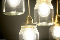 Proyecto de decoración con muebles reciclados de Las Tres Sillas para la empresa Coto Consulting en Valencia Mason Jar Lamp, Valencia, Table Lamp, Lighting, Home Decor, Recycled Furniture, Chairs, Blue Prints, Table Lamps