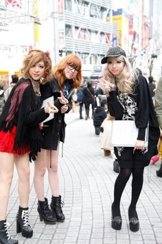 {LOVE} that Japanese girls rock it way hard for afternoon strolls!