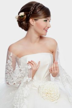 Are You Currently On The Lookout For Photos Of The Top Wedding Hairstyles Options For A Person's Wedding And Reception? You Have Stop By The Right Place, Just Click The Picture And You Certainly Will Discover Tons Of Wedding Hairstyles Photos. Types Of Wedding Gowns, Latest Wedding Gowns, Latest Bridal Dresses, Bridal Gown Styles, Bridal Dress Design, Bridal Gowns, Wedding Dress Clothes, Top Wedding Dresses, Perfect Wedding Dress