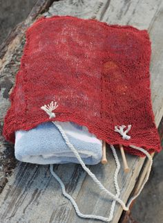 Beach Babe Tote hand knitting pattern #knitting  #knitwear #margeausoboti #tote #hemp #parisian