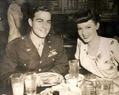 Gee...she's swell... 1940's Soldier & his Gal