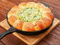 Cheesy Spinach And Artichoke Bread Ring Dip Here is the non video link: http://thoughtfulwomen.org/2015/10/26/cheesy-spinach-artichoke-bread-ring-dip/