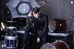 210425 MAP OF THE SOUL ON:E CONCEPT PHOTOBOOK #BTS #JHOPE #HOSEOK Jung Hoseok, Gwangju, E Photo, Photo Book, K Pop, Mixtape, Fanmeeting Bts, Bts Gifs, Vlive Bts