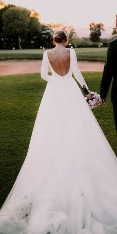 White bride dresses. Brides think of finding the most suitable wedding day, however for this they need the best wedding outfit, with the bridesmaid's dresses actually complimenting the wedding brides dress. Here are a number of suggestions on wedding dresses.