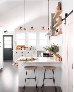 Bright & beautiful  kitchen of @ispydiy