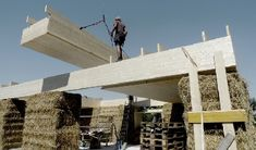 construction of the straw bale house in Dornbirn