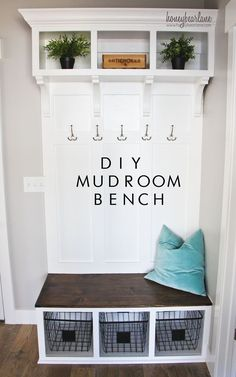 These mudroom storage and entryway storage ideas range in style and budget and will help you to create the perfect mudroom for your unique, small space. entryway storage 17 DIY Mudroom & Entryway Storage Ideas (FOR VERY SMALL SPACES) Diy Bank, Diy Zimmer, Bench With Storage, Extra Storage, Overhead Storage, Basket Storage, Home Organization, Basket Organization, Organizing Ideas