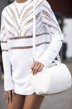White on white trend // white laser cut our jumper & sports bag Alexander Wang