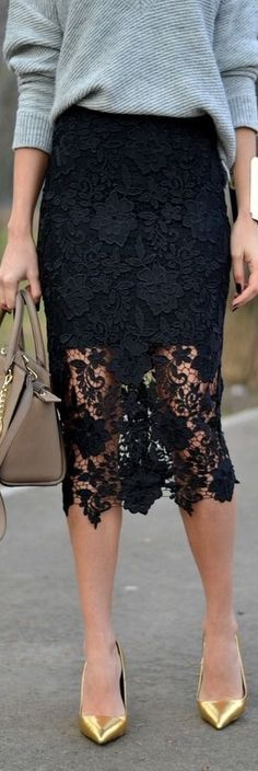 Kinda wish this beautiful lace skirt was in white. Love how she styles it with thick jumper and heels. Very pretty