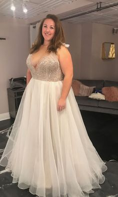 Elegant V-neckline Beaded Plus Size Wedding Dress.The professional tailors from wedding dress manufacturer custom this plus size wedding dress with any sizes and many other colors.Contact us to custom wedding dress online. Gowns For Plus Size Women, Plus Size Brides, Dress Plus Size, Western Wedding Dresses, Red Wedding Dresses, Bridal Dresses, Boho Wedding, Plus Size Wedding Gowns, Mode Top