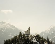 "Montvalezan chapel, Alps, France - ""Untitled"" by Alex Catt, vai Flickr"