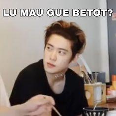 K Meme, Funny Kpop Memes, Meme Faces, Funny Faces, Cute Jokes, Seventeen Memes, Handsome Korean Actors, Funny Reaction Pictures, Cartoon Jokes