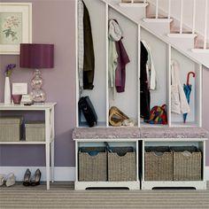 upstair apartment entryways | Ideas y fotos sobre muebles bajo escaleras. Propuestas que nos ...
