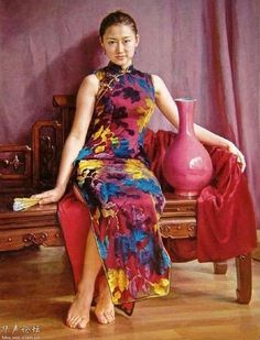 Oil Paintings By Chinese Artist Guan Zeju