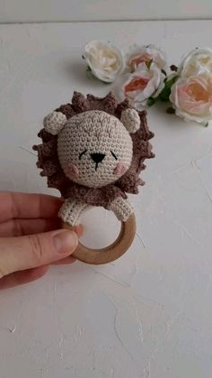 Safari baby shower gift idea Lion baby rattle with wooden teether Personalized baby toy ideas videos Lion baby rattle Safari baby shower gift Crochet Baby Toys, Crochet Toys Patterns, Stuffed Toys Patterns, Crochet Gifts, Baby Shower Presents, Baby Shower Gifts, Baby Presents, Baby Rattle, Crochet Projects