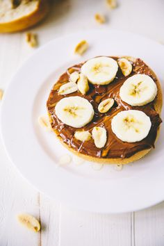 Nutty Monkey Bagel (with almond butter and nutella) – The Blonde Chef Vegan Dessert Recipes, Vegan Breakfast Recipes, Vegetarian Recipes, Desserts, Unique Recipes, Sweet Recipes, Nutella, Vegan Bagel, Honey Chocolate