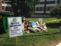 Recycle your cardboard on Move-in weekend! #UNH
