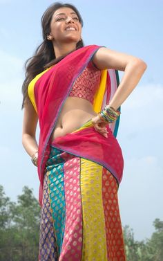 kajal-agarwal-hot-navel-in-saree-7