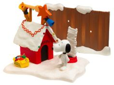Amazon.com: A Charlie Brown Christmas: Snoopy's Doghouse Playset: Toys & Games