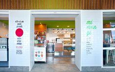 Mimangi-Dénia. Suelos, techos, interiores y exteriores, todo pasó por el filtro de la comida natural y sana que ofrece Mimangi y hemos conseguido una imagen fresca, divertida, agradable y muy saludable. #Interiorismo #Decoración #Arquitectura #Deco