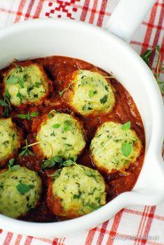 Pulpeciki z cukinii w sosie pomidorowym