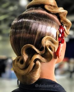 "439 Likes, 1 Comments - Прически Макияж Hair Make up (@dolotov_co) on Instagram: ""For beautiful @kiraoksas ❤️ Запись // BOOKING: +7(915)473-62-29 +7(903)185-20-40 @dolotov_co…"""