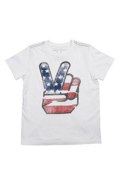 Cool American flag t-shirts for kids: Love this hipster interpretation