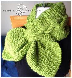 Bufanda gatito Crochet Slipper Pattern, Crochet Slippers, Crochet Shawl, Knit Crochet, Knitting Projects, Knitting Patterns, Modern Crochet, Knitting Accessories, Crochet For Beginners