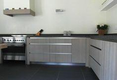 Keuken eiken whitewash - Interieurbouw Ad van IerlandInterieurbouw Ad van Ierland