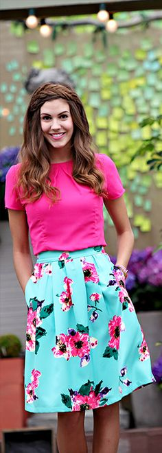 Brighten up your wardrobe with our gorgeous turquoise and hot pink floral print skirt! A total Must-Have this season! Modest Skirts/ Trendy Modest Clothes/ Floral Skirts/ Modest Clothing - love the hot pink and minty skirt! Modest Skirts, Modest Outfits, Cute Outfits, Midi Skirts, Floral Skirts, Floral Print Skirt, Taylor Swift, Modest Clothing, Modest Apparel