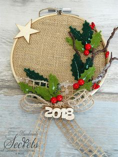 Would make nice Christmas card Nativity Ornaments, Christmas Ornament Crafts, Christmas Nativity, Noel Christmas, Homemade Christmas, Diy Christmas Gifts, Christmas Projects, Christmas Wreaths, Christmas Crafts