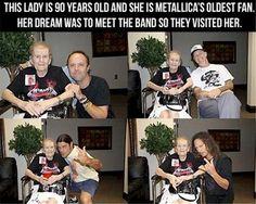 Diese Frau ist 90 Jahre alt und immernoch riesiger Metallica-Fan. Ihr größter Traum war es immer die Jungs der Band einmal zu treffen. Das lassen sich Lars, James, Kirk und Robert nicht zweimal sagen und besuchen die alte Dame. Endlich hat sie ihr Treffen mit Metallica bekommen, wo sie doch so lange drauf gewartet hat. Was für eine tolle Aktion von den Jungs. | unfassbar.es