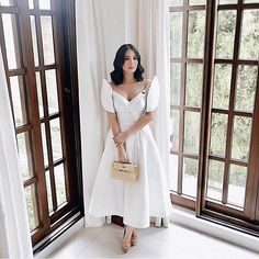 6 Times Heart Evangelista Wore A Terno And Slayed - Star Style PH Source by nataszenka Modern Filipiniana Gown, Filipiniana Wedding, Heart Evangelista Style, Heart Evangelista Wedding, Grad Dresses, Wedding Dresses, Filipino Wedding, Filipino Fashion, Look Rose
