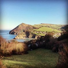 Beautiful clear skies over Combe Martin this morning #northdevon #Devon #travelgram #coast #England