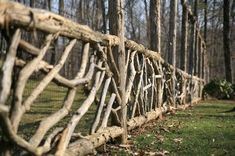12 Unutterable Natural Garden Fencing Ideas 10 Good ideas: Painted Split Rail F. 12 Unutterable Na Log Fence, Vine Fence, Deer Fence, Rustic Fence, Front Yard Fence, Fenced In Yard, Horse Fence, Pallet Fence, Metal Fence