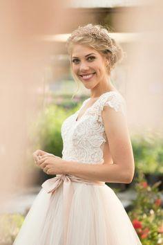 Girls Dresses, Flower Girl Dresses, Bride, Wedding Dresses, Fashion, Dresses Of Girls, Wedding Bride, Bride Dresses, Moda