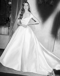 The new Elie Saab wedding dresses have arrived! Take a look at what the latest Elie Saab bridal collection has in store for newly engaged brides. Wedding Dressses, Dream Wedding Dresses, Bridal Dresses, Wedding Gowns, Bridesmaid Dresses, Backless Wedding, Lace Wedding, Wedding Dress Trumpet, Mermaid Wedding