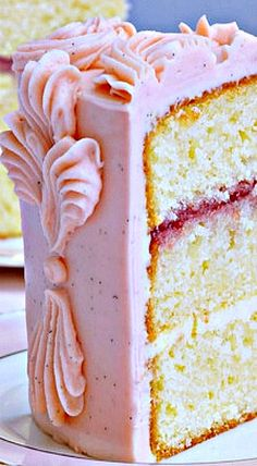 Victoria Sponge Cake with Buttercream Frosting