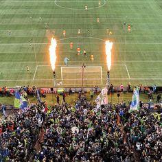 GOOOOOOOOOOOOAL! 1-0 @SoundersFC! This is how we #DefendOurCup! @Audi #MLScupPlayoff #ad