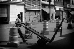 https://flic.kr/p/oPNUYE | Mercadão - Centro-SP | Worker  City of Sao Paulo-SP Brasil  2014