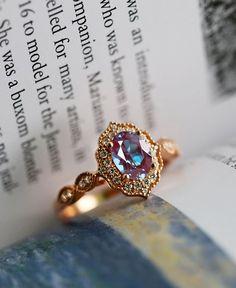 Art Deco Wedding Rings, Wedding Rings Vintage, Bridal Rings, Ruby Wedding Rings, Vintage Gold Rings, Vintage Jewellery, Vintage Anniversary Rings, Unusual Wedding Rings, Vintage Art Deco Rings